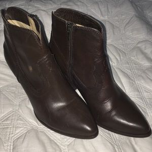 Beautiful FRYE Boots